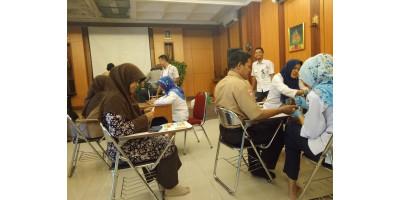 Penyuluhan dan tes kesehatan Guru/karyawan